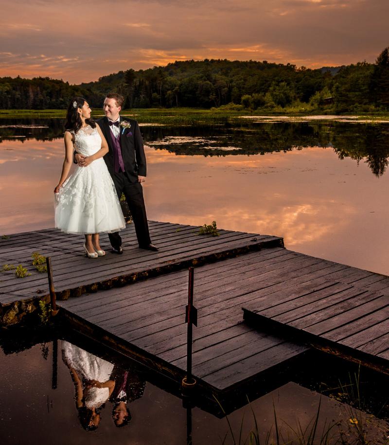 Свадебное фото на озере
